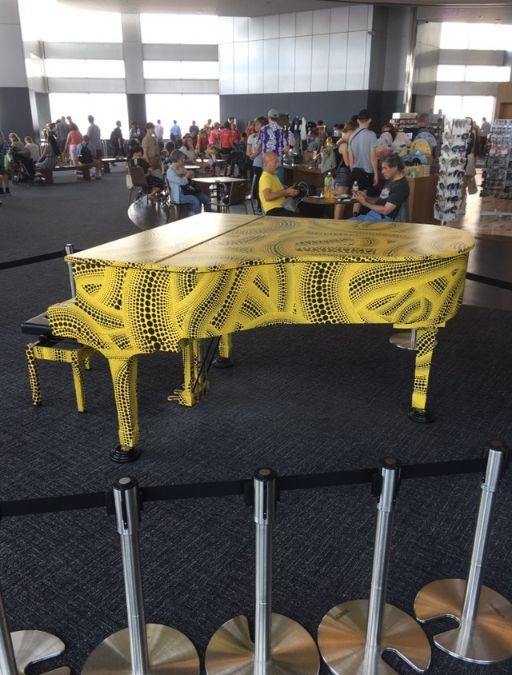 おもいでピアノ(横から)