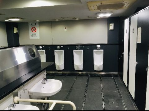 地下1F_中央東口奥(アルプス化粧室)トイレ内