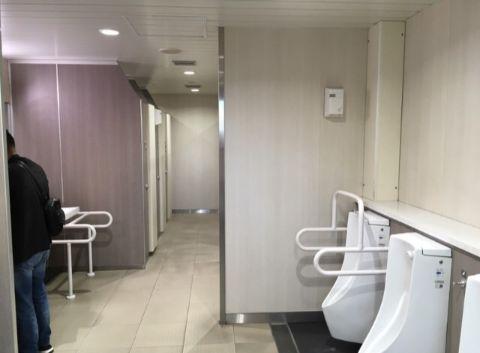 地上2F_南口内トイレ内