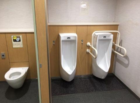 地上1F_成田エクスプレスホーム上トイレ内